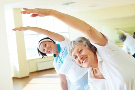 женщины перенесшие мастэктомию занимаются лечебной физкультурой