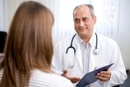врач маммолог рассказывает о причинах появления кисты