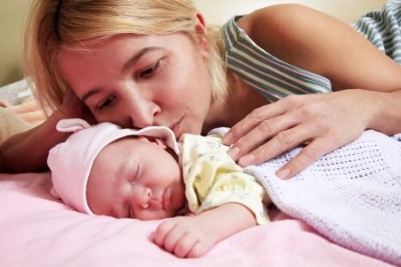 мама и грудной ребенок