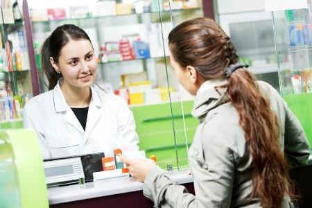 покупка лекарств в аптеке
