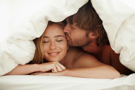 муж с женой в постели